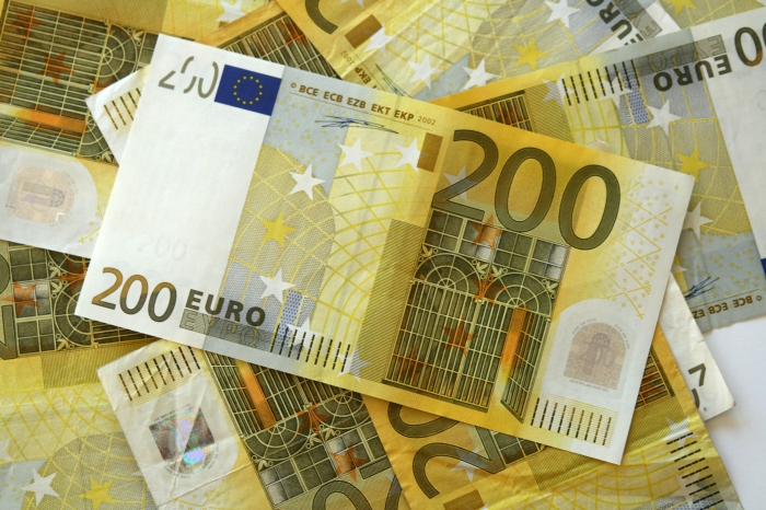 #200 Intro 200 Euro note - iStock-92263630.jpg